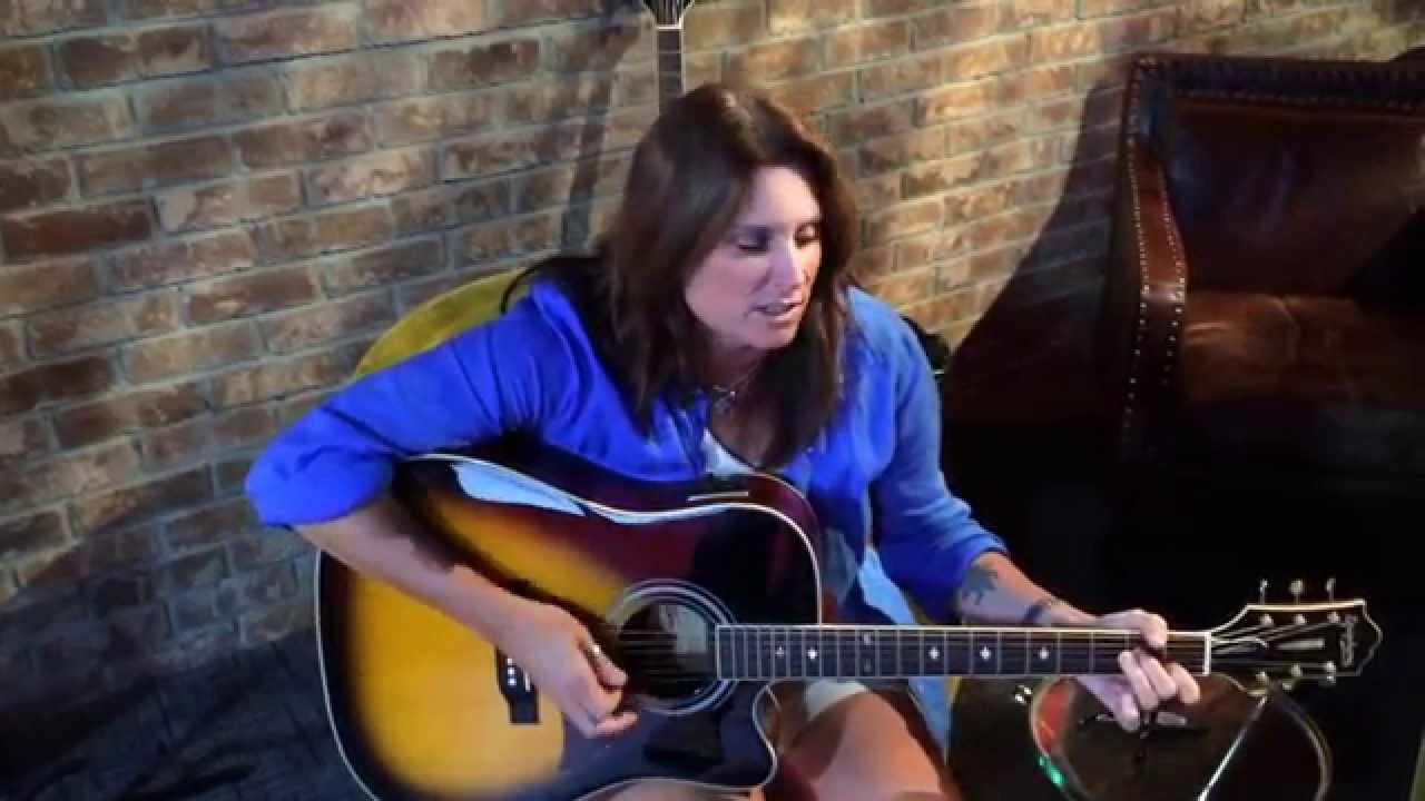 Terri clark longer acoustic on america 39 s morning show for Terri clark pics