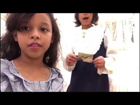 سرقنا شنط ماما وخالتي لوتي !!😱 لا يفوتكم | ماذا يوجد في حقيبة ماما؟👜 thumbnail