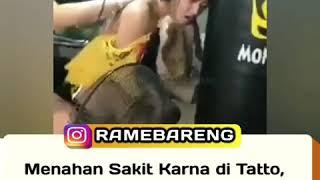 Viral Reaksi Cewek Nahan Sakit Karena Di Tato Bikin Slah Pham Netizens..