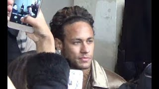 VIDEO Neymar Jr @ Paris Fashion Week january 18, 2018 show Louis Vuitton #PFW / Janvier / PSG