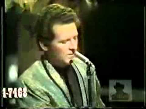 Jerry Lee Lewis  - She Even Woke Me Up To Say Goodbye 1969 (live)