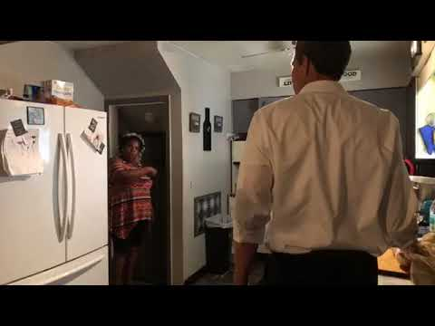Beto O'Rourke - Making Dinner With The Collins Family In Flint, MI