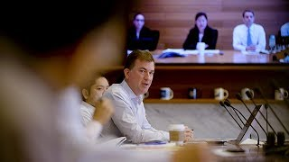 Day in the Life of a Credit Analyst | PIMCO