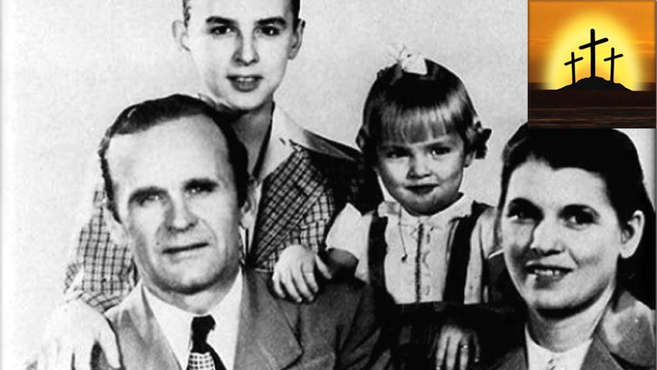 The Memorial Album slideshow - 'Family Photo's' (3 of 14) - William Branham  photos