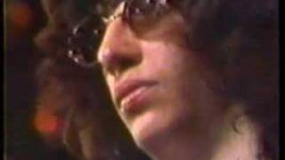 Ramones: Listen to My Heart - California Sun