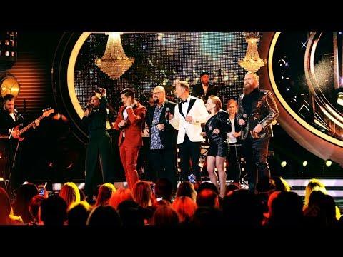 Storslaget jazzigt öppningsnummer i Idol 2017