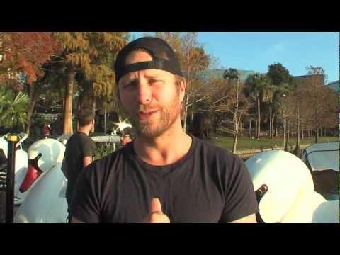 2013 Capital One Bowl: Dierks Bentley Polar Plunge