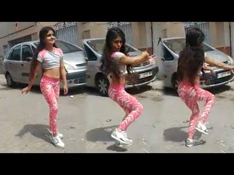 Niña Gitana bailando Arabe en la calle | 2018 | VEOFLAMENCO