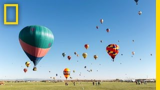 Colorful Time-Lapse of Hot Air Balloons in New Mexico
