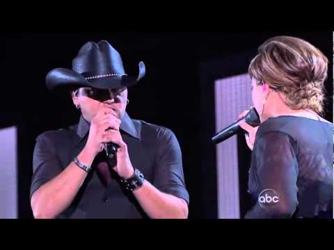 kelly clarkson & Jason Aldean 44th country music award 2010 video