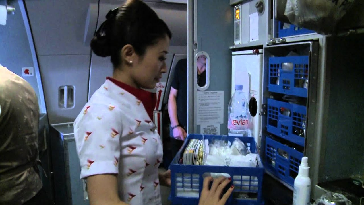 "Cathay Pacific ""A Day in The Life of a Flight Attendant"" - YouTube"