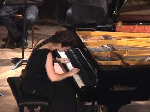 Sofja Gülbadamova spielt Frederic Chopin Klavierkonzert Nr. 1 e-moll