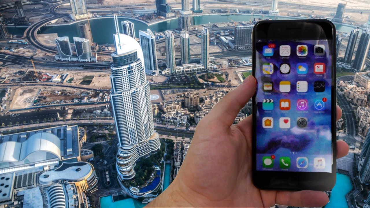 the best attitude b8b0b 2e558 Dropping the iPhone 7 Plus From The World's Tallest Building (829 meters)