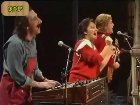 Mamma Maria RICOS Y POBRES en español / RICCHI E POVERI