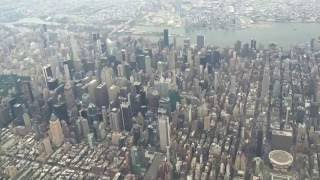 Best Landing Ever - United 737-800 Flying over NYC Manhattan Central Park into LGA Laguardia