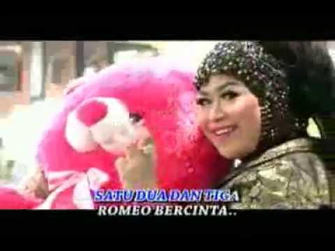Romeo Bercinta feat Ayunda Goba & Sodiq Monata