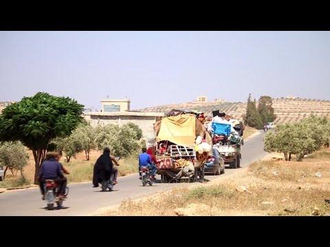 Battle for Deraa: Hundreds of Syrians stranded near Jordanian border