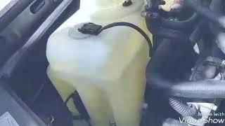 видео Как снять бачок омывателя, советы, инструкция
