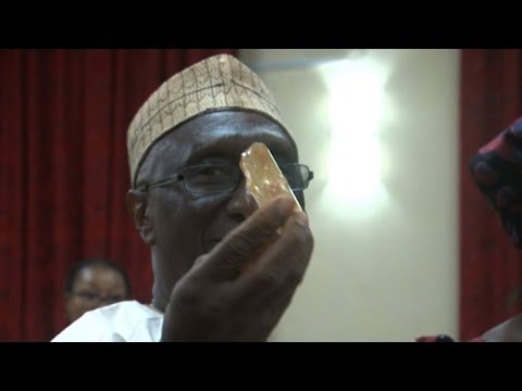 Sierra Leone pastor unearths massive 706-carat diamond