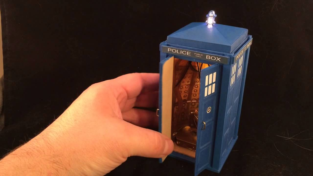 10th doctor larger on the inside tardis engagement ring