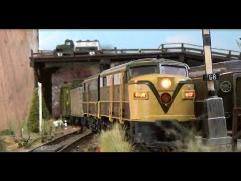 Railfanning 1960s CN & GTW in HO Scale