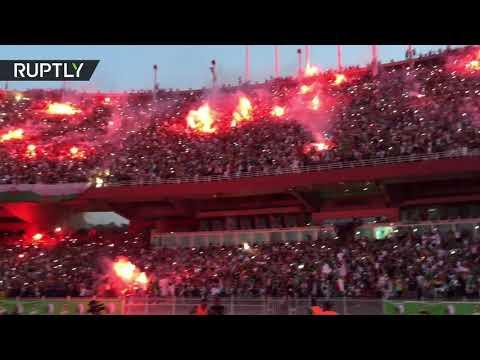 شاهد..سماء إستاد -5 جويلية- تضاء بالشهب النارية بعد الفوز التاريخي للمنتخب الجزائري  - نشر قبل 2 ساعة