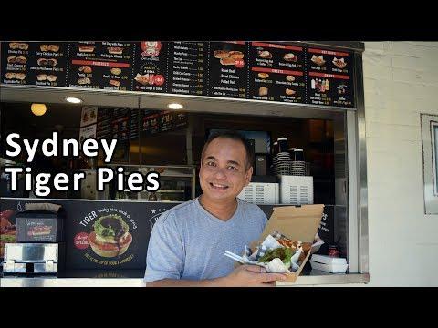 FAMOUS SYDNEY TIGER PIE - Hannah's Pies - Harry's Cafe De Wheels - Sydney Food Tour