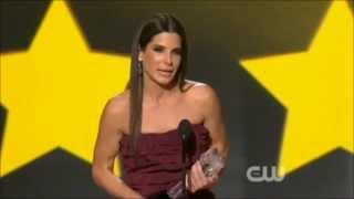 Sandra Bullock thanks Jean-Claude Van Damme, Chan & Stallone - (HD) uncut