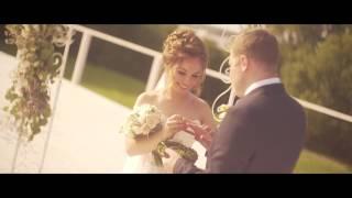 Выездной регистратор на свадьбу в Москве | Ведущая свадебных церемоний Арина Горанкова