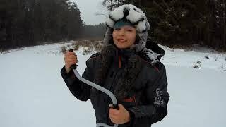 Скажене клювання щуки в глухозимье Контрольна зимова рибалка і Щарка Рибалка в Білорусі