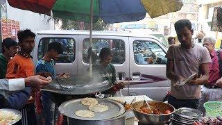 Indian Street Food-Street Food in kolkata / People Enjoying Street Food / Kolkata Street Food India