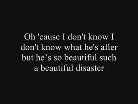 Beautiful Disaster - Kelly Clarkson with lyrics
