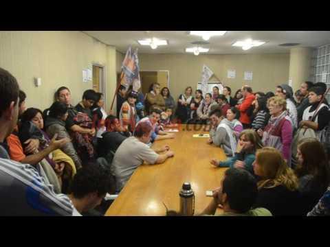 Docentes se reunieron en el CPE para pedir por la movilidad