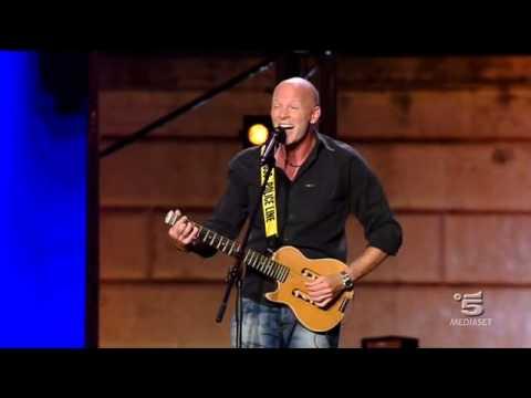 Fabrizio Casalino fa cantare Heidi ai suoi idoli
