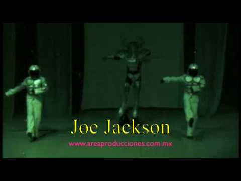 Performance Joe Jackson & Robot
