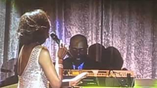 Pre-Grammy Gala 2011 - Whitney Houston & Dionne Warwick .flv