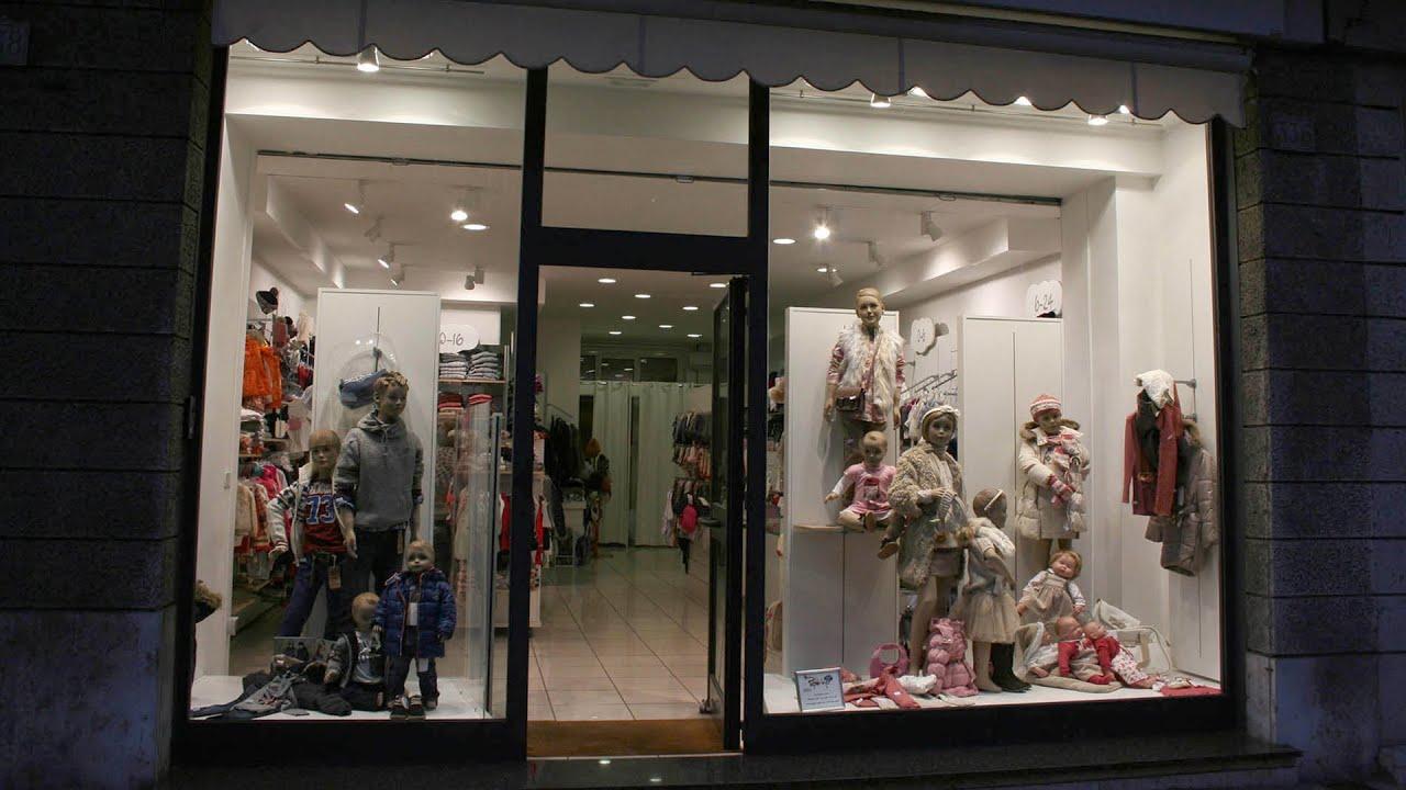 Arredamento negozio abbigliamento bambino ekip arredamenti for Arredamenti per negozi abbigliamento