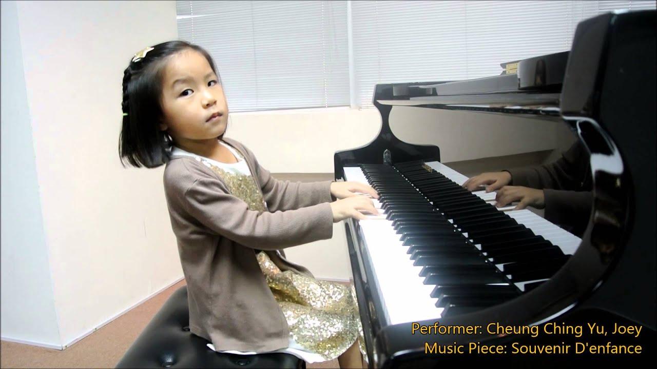 Three Years Old Girl Playing Piano (Clementi Sonatina