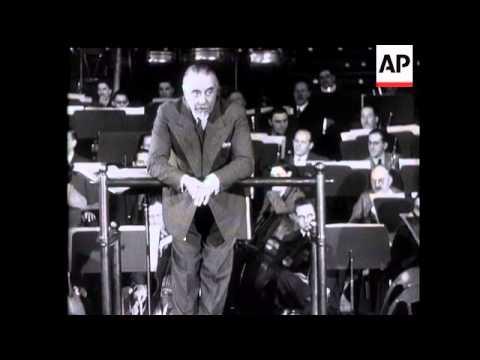 Sir Thomas Beecham Leads English Orchestra