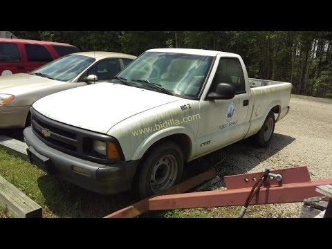 Auction 1995 Chevrolet S10 Regular Cab Pickup Truck