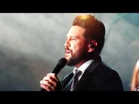 Dan and Shay --- 'Do You Hear What I Hear' --- CMA CHRISTMAS - 2017 HD