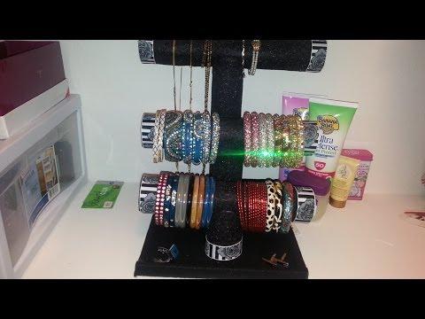 How to make a bracelet holder organizer doovi for Bangle organizer diy