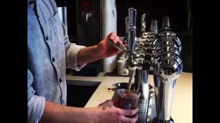ビールサーバーで注いでくれるコールドブリューコーヒー thumbnail