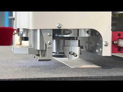 IECHO PK uses V-CUT to Grooving the Cardboard Box