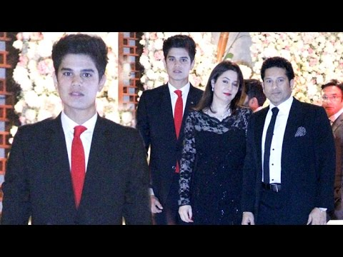 Sachin Tendulkar With HANDSOME Son Arjun Tendulkar & Wife Anjali At Ambani's Party 2016