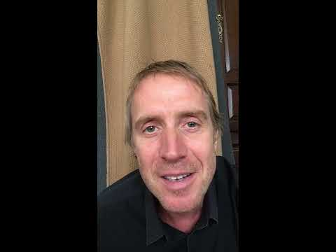 Rhys Ifans records message to fans for the 20th anniversary of Twin Town