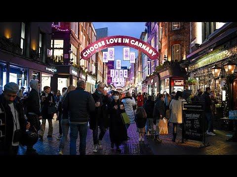 Londres amanece con duras restricciones y se queda sin Navidades