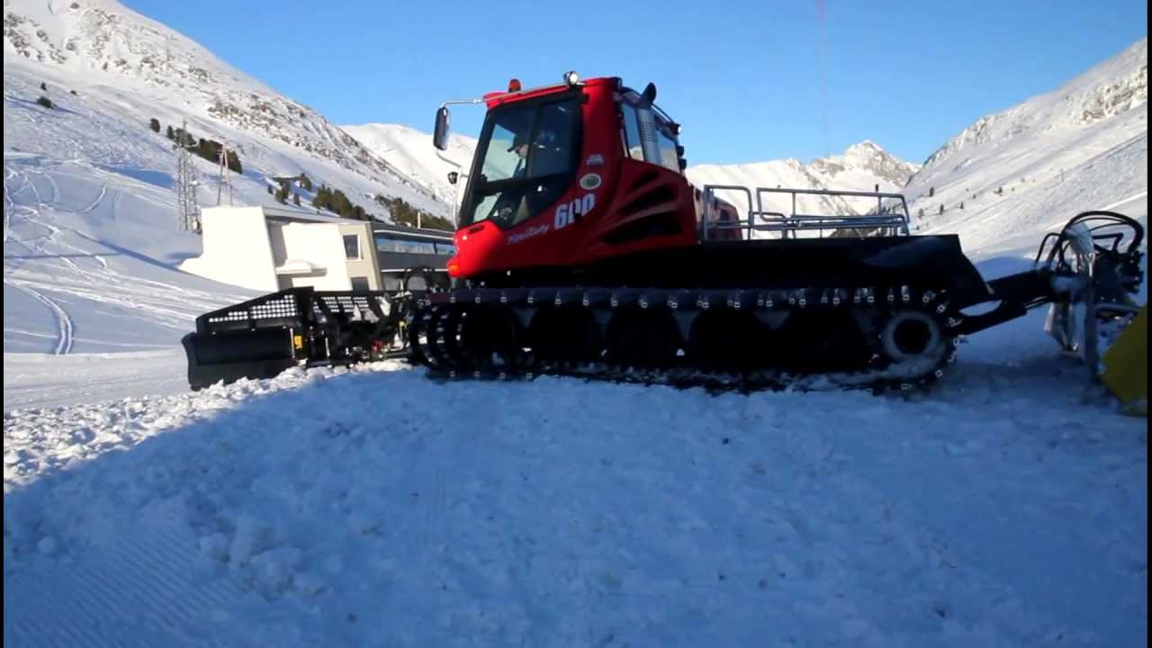 Snowcat in Action Pisten Bully 600 Kuehtei AUT_new