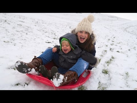 AMAZING SLEDDING TODDLER!
