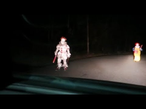 OFFICIAL 2018 KILLER CLOWN SIGHTING ON TERRIFYING ROAD!!!! *MUST WATCH*